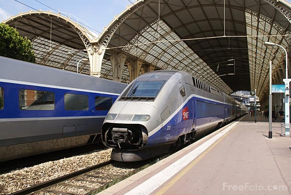 tgv duplex train at Nice station